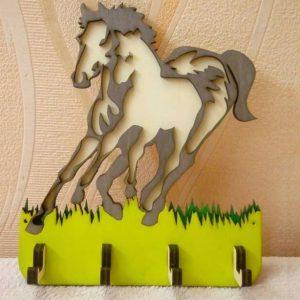 Макет вешалки с лошадью