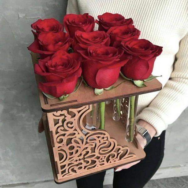 макет куба под колбы с цветами