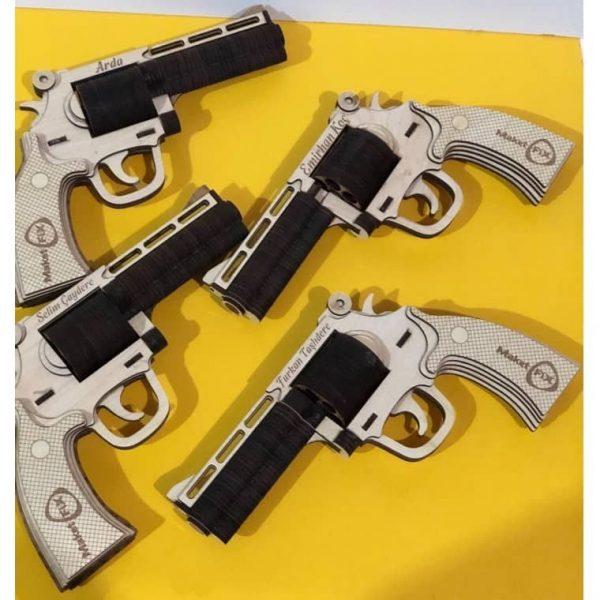 макет револьвера магнум
