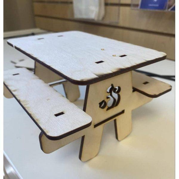 Игрушечный стол для пикника