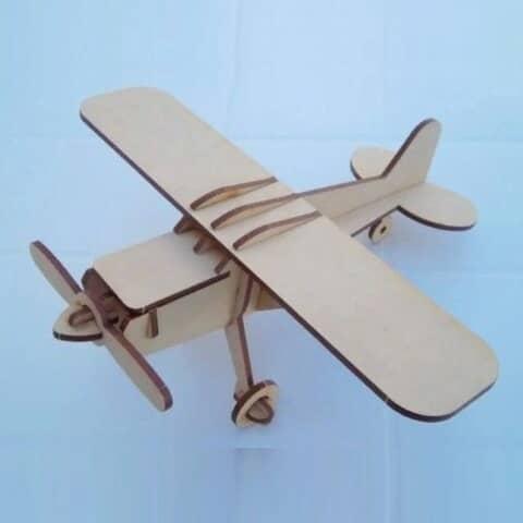 Самолёт из фанеры
