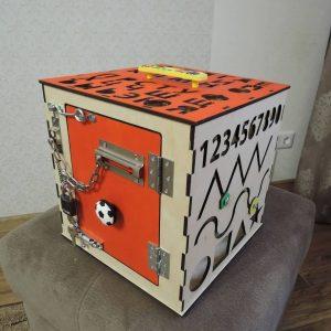 Бизи куб с цифрами и алфавитом