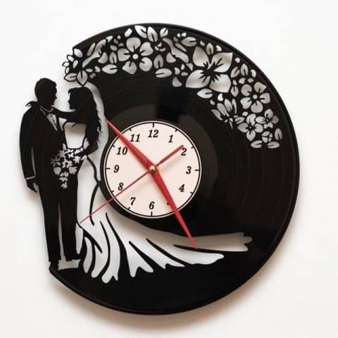 Макет часов молодожёнам