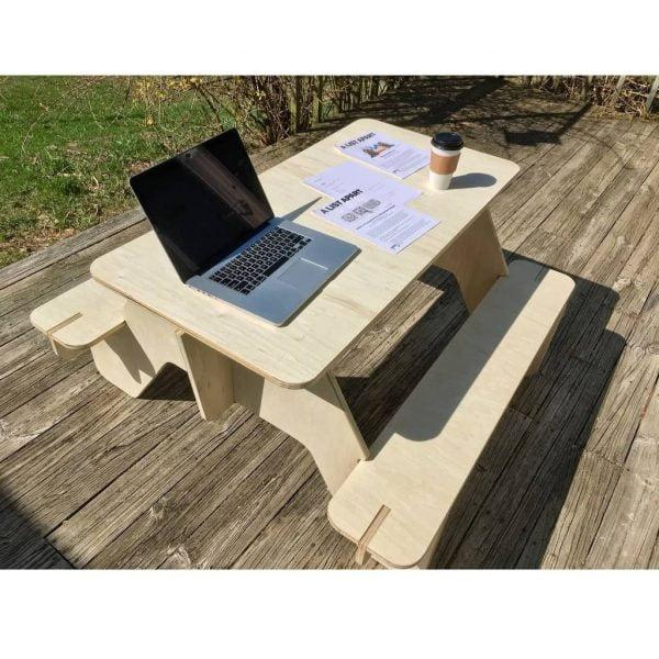 дачный стол со скамейками макет