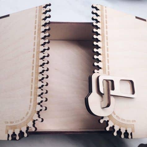 Коробка молния