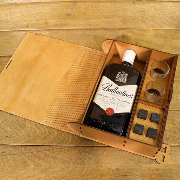 Макет коробки для бутылки и стопок