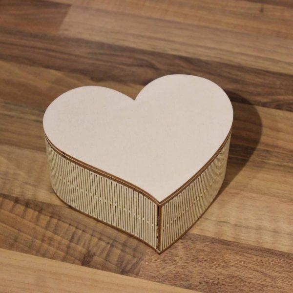Шкатулка сердце нестандартной формы