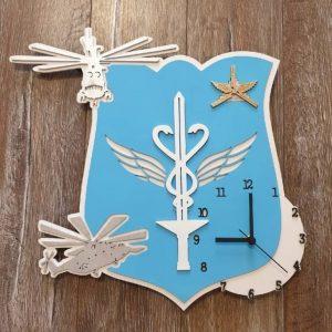 Часы логотип макет