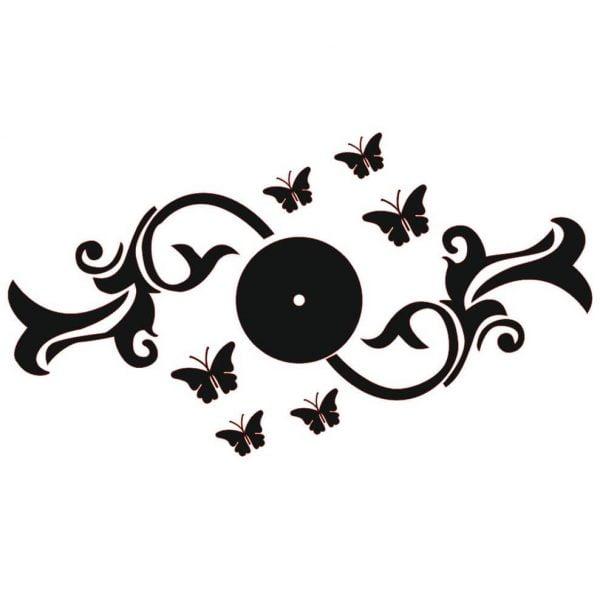 Часы с бабочками и узором