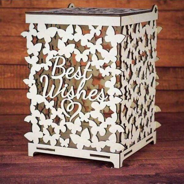 Праздничная коробка с бабочками