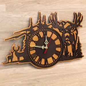 Часы с оленями